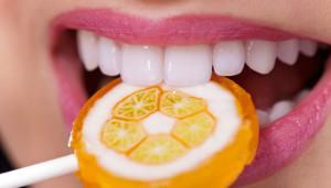 why-is-candy-bad-for-your-teeth_cr